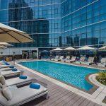 Tryp by Wyndham Dubai Pauschalreise Angebot günstig buchen Pool-min