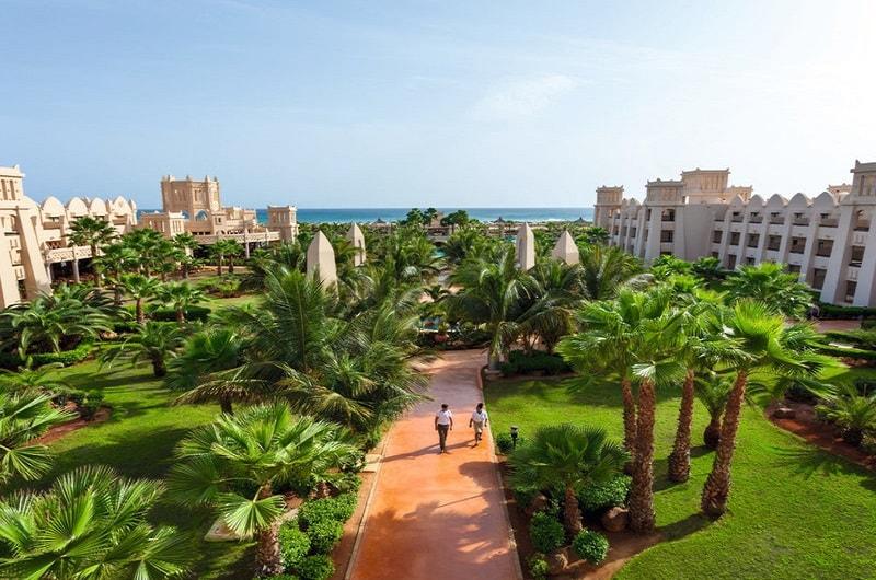 Clubhotel RIU Touareg Boa Vista Kap Verden Pauschalreise Angebot günstig buchen Außenanlage Garten-min