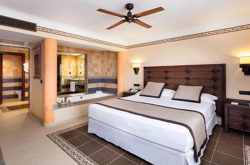 Clubhotel RIU Touareg Boa Vista Kap Verden Pauschalreise Angebot günstig buchen Großes Zimmer mit Doppelbett-min