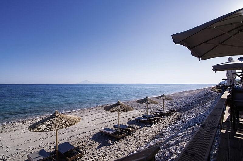 Aegean Infinity Deluxe Hotel Limenaria Thassos Bilder Strand mit Meer-min