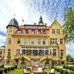 Schlosshotel Wendorf Mecklenburg-Vorpommern bei Schwerin Angebot günstig buchen Schloss-min